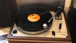 5 Best Vintage Turntable Reviews 2019 Top Picks